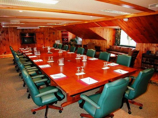 Ayer's Cliff, كندا: Meeting room