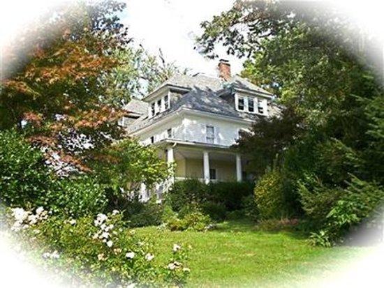 New Windsor, MD: Exterior