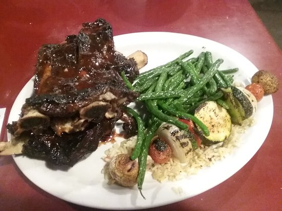 ‪‪Original Roadhouse Grill‬: Buffalo ribs w/garlic green beans and mized veggies‬