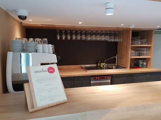 Redu, بلجيكا: MUDIA café