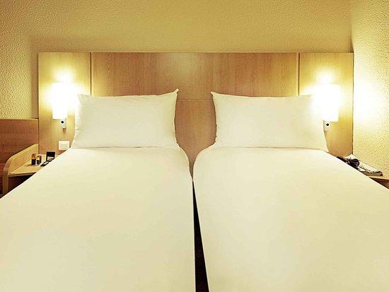 Ibis Marseille La Valentine: Guest room