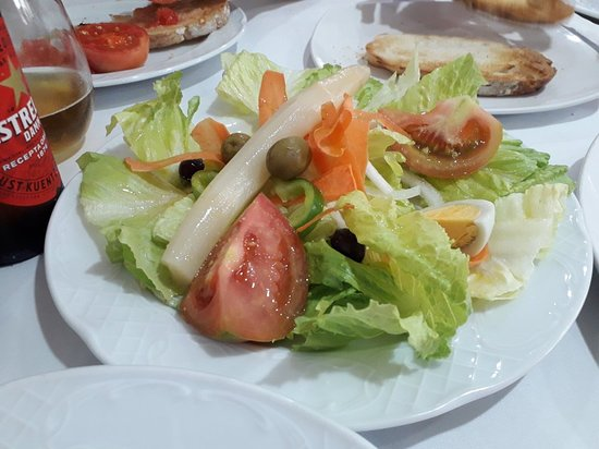 Riells del Fai, Spanien: Restaurant Font de la Pineda