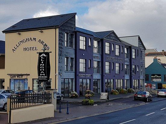 Allingham Arms Hotel Photo