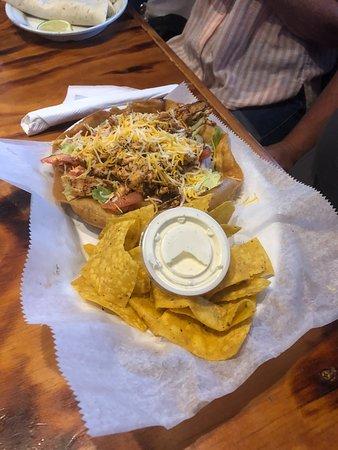 Baja Cantina: taco salad