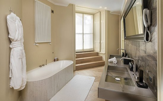 TownHouse Galleria, Milano: Guest room