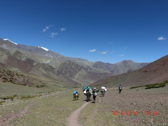 Leh District, Индия: Hiking to the next campsite