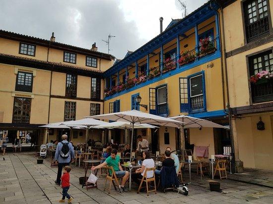 Plaza del Fontán: 20180907_123935_large.jpg