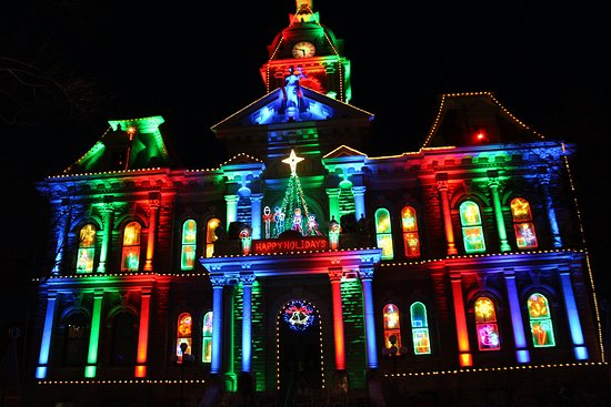 Guernsey County Ohios Courthouse Christmas Light Display 2020 Christmas Lights at Courthouse   Picture of Guernsey County