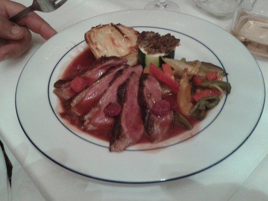 Penvenan, France : magret de canard cuit selon demande