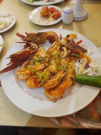 El Mina Restaurant: 20180909_201134_large.jpg