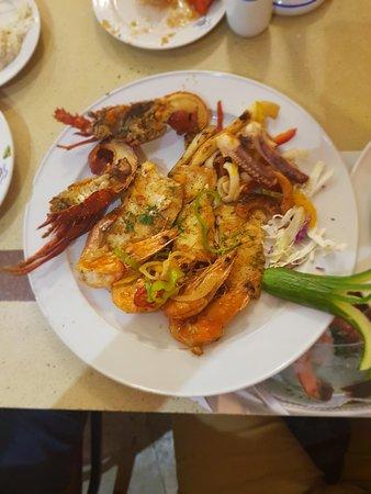 El Mina Restaurant: 20180909_201141_large.jpg