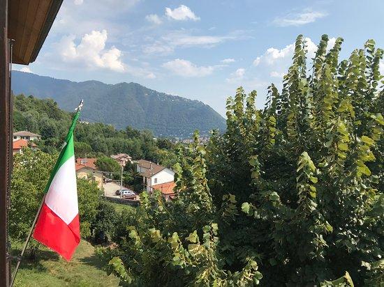 Maslianico, Italy: Uitzicht vanuit de kamer