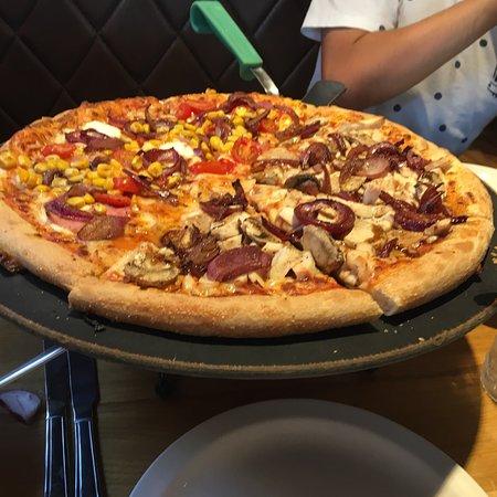 Pizza Hut Ellesmere Port 14 Coliseum Way Menu Prices