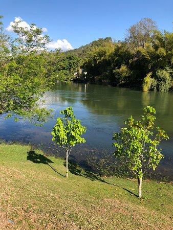 Santa Branca, SP: Vista do Rio Paraiba do Sul