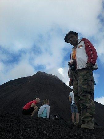 Langowan, Indonesien: soputanvolcano guide jotje lala info .whatshapp. +6289515507588