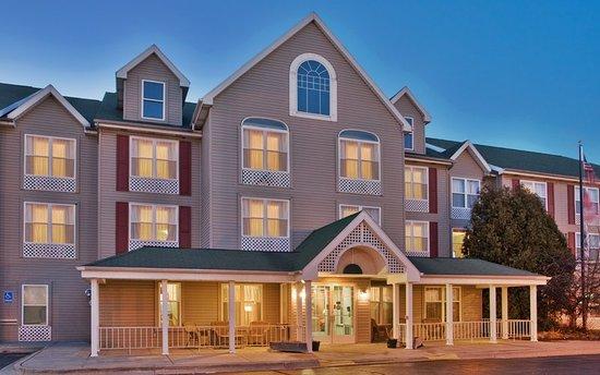Country Inn & Suites by Radisson, Birch Run-Frankenmuth, MI