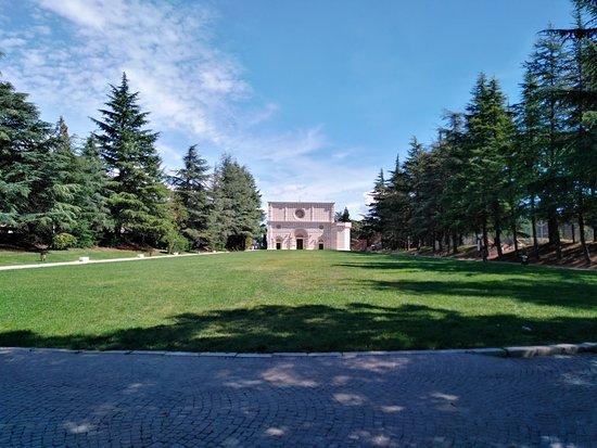 e506f19a9e59 Parco del Sole  Il piazzale del parco