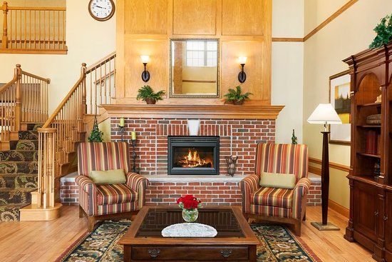 Country Inn & Suites by Radisson, Sycamore, IL: Lobby