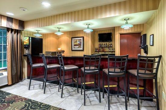 Vinton, IA: Bar/Lounge