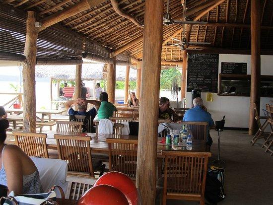 Wahoo Bar and Restaurant: Dining hall