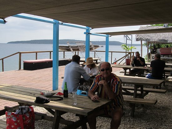 Wahoo Bar and Restaurant: Looking out to the sea