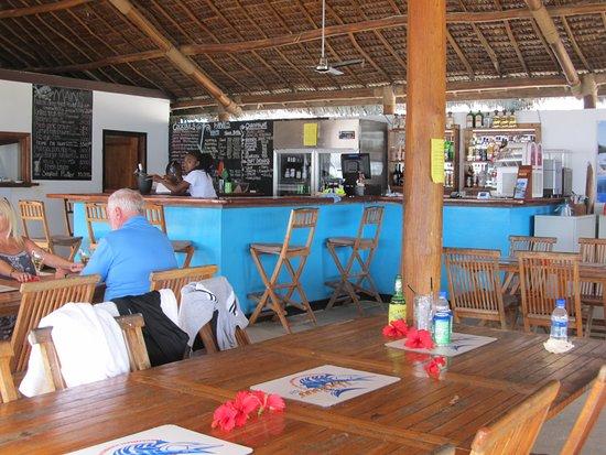 Wahoo Bar and Restaurant: The bar