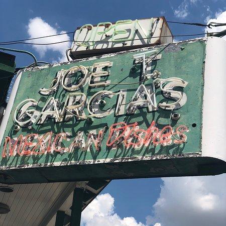 Joe T Garcia's Mexican Restaurant: photo3.jpg