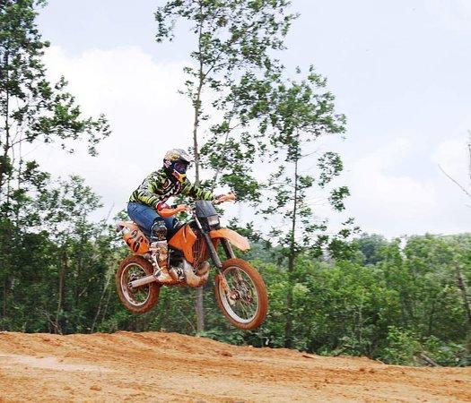 Pasir Gudang, ماليزيا: Enjoy Motorsports Leasing!