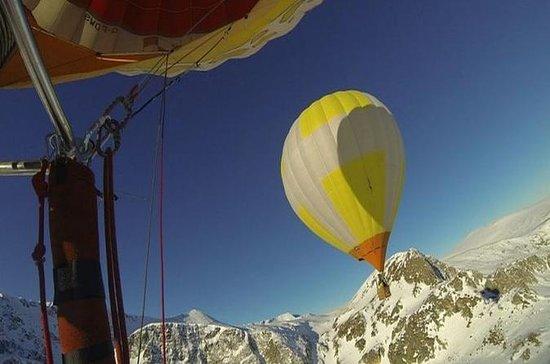 Voyage en montgolfière au-dessus de...