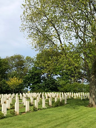 Reviers, France: Graves