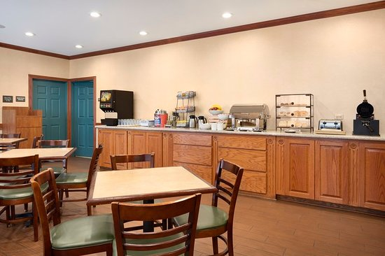 Country Inn & Suites by Radisson, Michigan City, IN: Restaurant