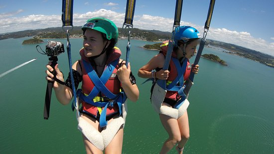 Paihia, New Zealand: bring your go pro for extreme photos
