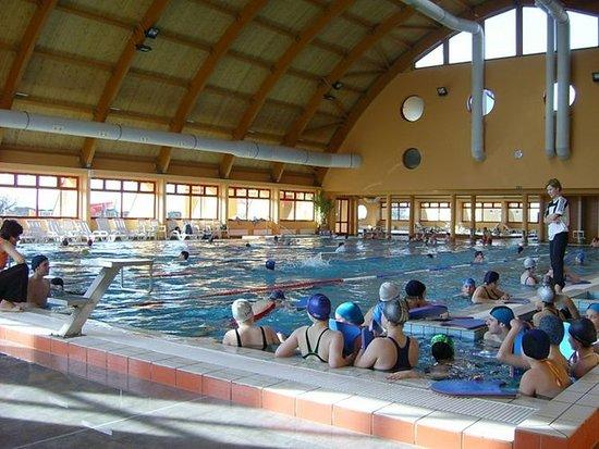 Celldomolk, Hongaria: Pool