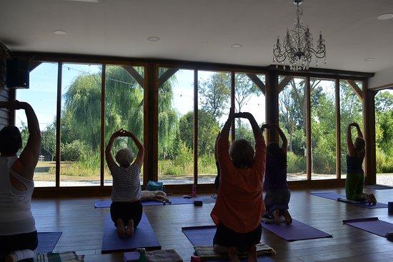 Shadoxhurst, UK: Yoga Retreats