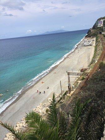 Spiaggia di Gioiosa Marea: Vista dall'alto verso Hotel capo skino