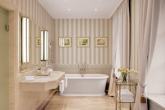 Kempinski Hotel Moika 22: Guest room amenity