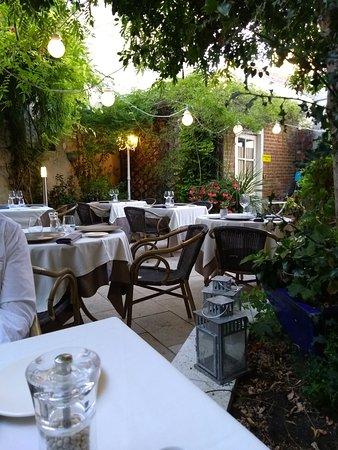 Semblancay, France: Terrasse
