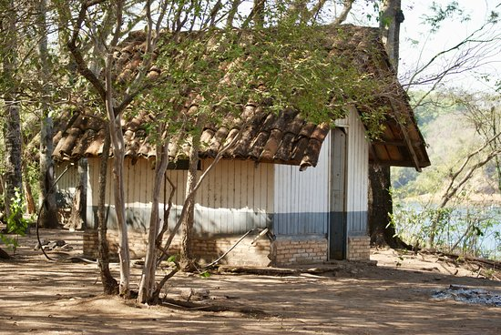 Fronteira: Estrutura de camping