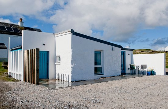 Isle of Tiree, UK: Blue Beyond Cottage exterior