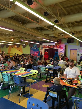Sesame Place: Show at character dining