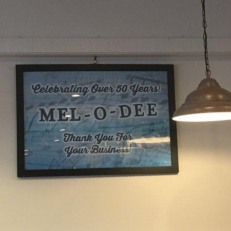 New Carlisle, OH: Mel-O-Dee Restaurant