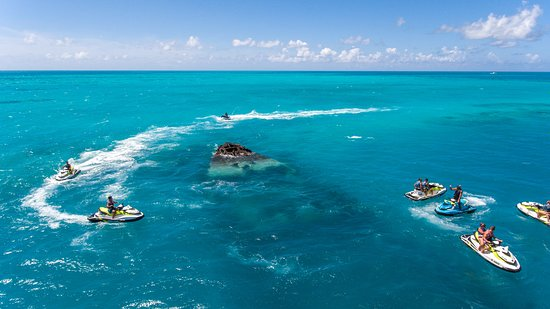 Sandys Parish, Bermuda: Explore the Vixen Shipwreck on our 75 Minute high-speed, guided jet ski tour