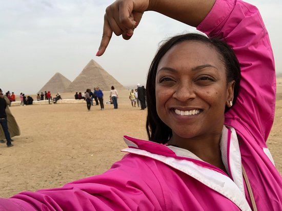 Full Day Tour in Giza Sakkara and Memphis From Cairo: Photo ops in front of the pyramids