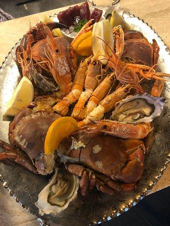 Da Cla Restaurant: Meeresfrüchteplatte (Gambas, Kaisergranat, 2 Austern, Muscheln, Taschenkrebsen)