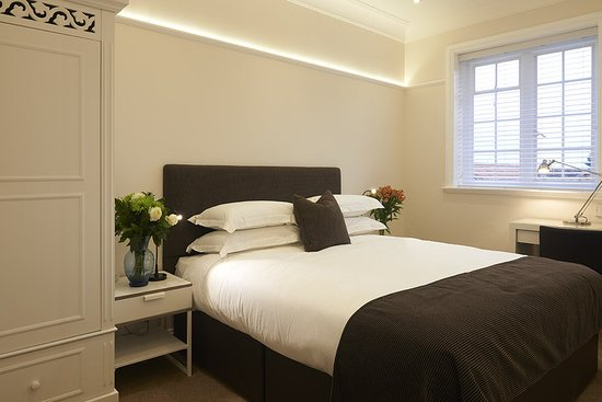 Horndon-on-the-Hill, UK: Guest room