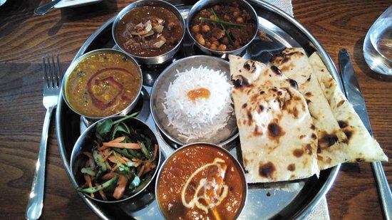 New Malden, UK: Sunday Lunchtime 'meat' Thali