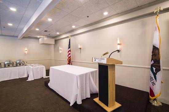 Meeting room - Picture of Palm Garden Hotel, Thousand Oaks - TripAdvisor