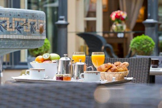 Hotel California Paris Champs Elysees: Restaurant