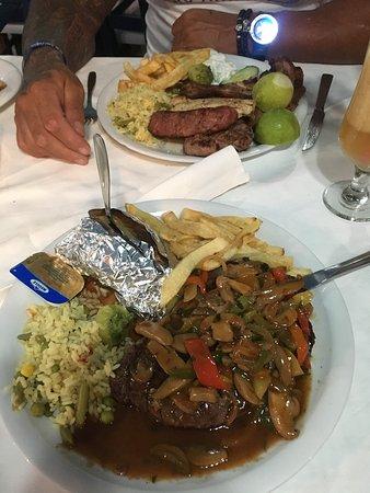 Akrogiali Taverna: New York steak and mixed grill