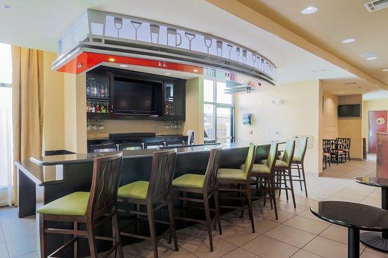Holiday Inn Mobile - Airport: Restaurant